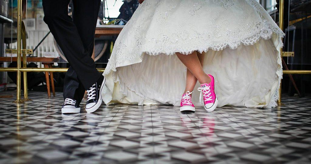 Le marié s'était fait taillé un costard gris